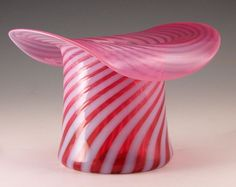 This beautiful piece of American art glass is a dazzler for sure - from the Ruby Lane shop Mainely Glass