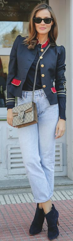 Silvia Zamora + chic yet causal + military jacket + high-waisted distressed jeans + dark sweater + die-for blue suede ankle boots + gold piping + buttons + major players season. Military jacket trend: La Condesa + Sweater: Zara + Jeans: Levi + Vintage bag: Gucci Dionysus boots: IKKS
