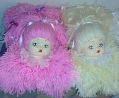 Lindas bonecas de lã com molde Paper Toys, Lana, Fashion Bags, Baby Dolls, Disney Characters, Fictional Characters, Christmas Ornaments, Disney Princess, Holiday Decor