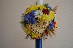 Lumanare Botez Traditionala. Poza 1877 Floral Wreath, Wreaths, Traditional, Weddings, Ideas, Home Decor, Homemade Home Decor, Door Wreaths, Wedding