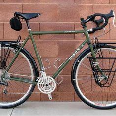 Nice Racks front and rear. Touring Bicycles, Touring Bike, Surly Long Haul Trucker, Surly Bike, Bici Retro, Bicycle Panniers, Urban Bike, Commuter Bike