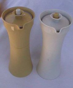 VINTAGE/RETRO TUPPERWARE~HARVEST GOLD & ALMOND SALAD DRESSING CONTAINERS