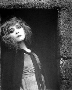 Theda Bara by Kathleen Mavourneen, 1919.