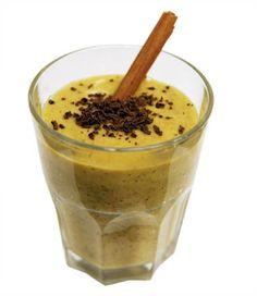 1/2 Manga 1/2 Banana 100 ml bebida de aveia 1 quadrado de chocolate preto (70-76% de pureza) 2-3 avelãs 1 colher de sopa de farelo de trigo (ou flocos de aveia integral)   Ler mais: http://visao.sapo.pt/sumo-detox-energizante=f753422#ixzz2wcd5llvc