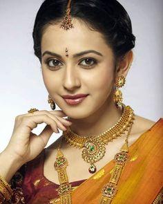 Beautiful Girl Indian, Most Beautiful Indian Actress, Most Beautiful Women, Beautiful Children, Beautiful Bollywood Actress, Beautiful Actresses, Beauty Full Girl, Beauty Women, Deepika Padukone