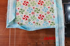 over the fold Christmas Quilt Patterns, Christmas Sewing, Christmas Toys, Potholder Patterns, Quilt Block Patterns, Marker, Fabric Stars, Quilted Potholders, Star Quilt Blocks