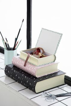 Graceful settings and supplies FOR OFFICE AND SCHOOL. See all the new items here: http://sostrenegrene.com/campaigns/office-and-school Available for sale from Thursday 29 june 2017