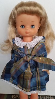 BONITA MUÑECA LESLY DE FAMOSA, CON CONJUNTO DE REGALO Nancy Doll, Harajuku, Dolls, Face, Style, Fashion, Four Seasons, Baby Sister, Gift