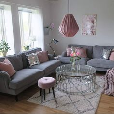 33 The Lost Secret of Lovely Bright Living Room Ideas - thehomedecores Small Living Room Design, Living Room Grey, Home Living Room, Interior Design Living Room, Living Room Designs, Living Room Decor, Beautiful Living Rooms, Home And Deco, Living Room Inspiration