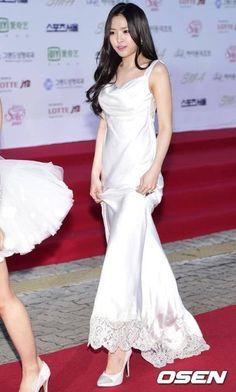 Naeun at Seoul Music Awards Red Carpet