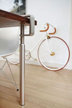 Table legs Grip is able to turn every material, thick or thin, old or new, into a table. Be creative with Grip table legs. Desk Legs, Table Legs, A Table, Dining Table, Bamboo Table, Wooden Table Top, New Furniture, Furniture Design, Bookshelves For Small Spaces