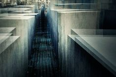 Holocaust Mahnmal by Stephanie Jung