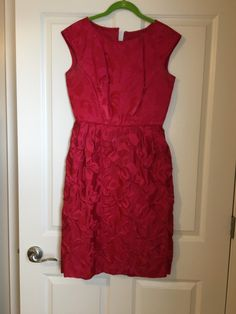 Really pretty red vintage dress. You have to look at the close ups of the details to see how special it really is. Beautiful red, thick fabric studded with red beads. Vintage Red Dress, Vintage Dresses, Vintage Outfits, Buy My Clothes, That Look, Summer Dresses, Detail, Pretty, Fabric