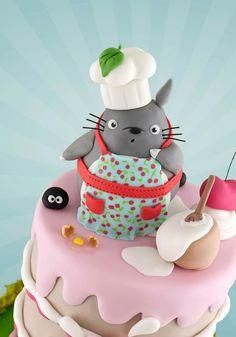 =(^x^)=Totoro creative cake Totoro, Crazy Cakes, Beautiful Cakes, Amazing Cakes, Fondant Cakes, Cupcake Cakes, Violet Cakes, Anime Cake, Kawaii Dessert