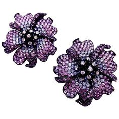 Preowned Big Mun Flower Earrings With Purple Sapphire,sapphire And... ($6,100) ❤ liked on Polyvore featuring jewelry, earrings, purple, studs, diamond flower earrings, heart earrings, sapphire earrings, earring jewelry and flower stud earrings
