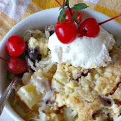 Peach Crunch Coffee Cake – Can't Stay Out of the Kitchen B Recipe, Streusel Topping, Pastry Blender, Glass Baking Dish, Great Desserts, Holiday Baking, Dessert Bars, Tornado Cake, Spinach Gratin