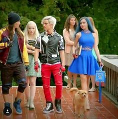 Descendants 2 Dove Cameron as Mal Sofia Carson as Evie Booboo Stewart as Jay and Cameron Boyce as Carlos Descendants Wicked World, Disney Descendants 3, Descendants Costumes, Descendants Cast, Carlos Descendants, Cameron Boyce, Dove Cameron, Sofia Carson, High School Musical