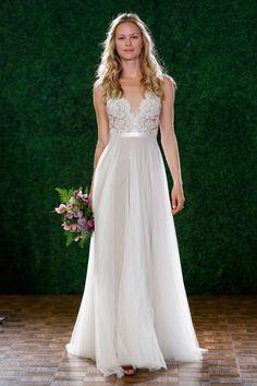 En 2015 on choisit une robe taille empire pour s'inscrire pile dans la tendance ! (Watters)
