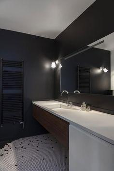 Kleine Wohnung Mit 2 Schlafzimmer, Küche, Bad Und Wohnzimmer Perfekt In  Paris Eingerichtet U2013