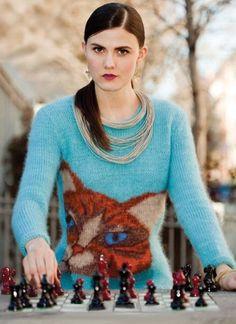 Пуловер с большой кошкой