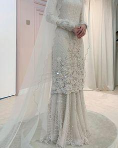 Vogue Wedding, Wedding Bride, Dream Wedding, Wedding Ideas, Malay Wedding Dress, Wedding Dresses, Hijab Bride, Wedding Costumes, Wedding Looks