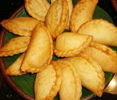 If you are looking for better Resep Kue Kering Modern cooking recipes you've come to the right place. Savory Snacks, Snack Recipes, Cooking Recipes, Dessert Pasta, Indonesian Desserts, Indonesian Food, Portuguese Recipes, Portuguese Food, Manado