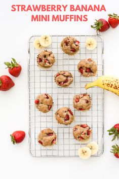 These mini muffins are a great breakfast or easy healthy snack to grab as you're running out the door. They're perfect for kids and adults alike – plus, they're vegan! Mini Banana Muffins, Berry Muffins, Healthy Strawberry Recipes, Strawberry Banana, Vegan Snacks, Healthy Snacks, Vegan Recipes, Banana Uses, Muffin Recipes