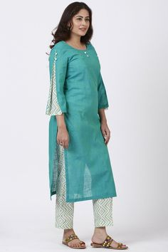 anokherang Combos Sea Green Pleated Sleeve Kurti with Printed Pants Source by designs for dresses Salwar Designs, Printed Kurti Designs, Churidar Neck Designs, Simple Kurti Designs, New Kurti Designs, Kurta Neck Design, Kurta Designs Women, Kurti Designs Party Wear, Kurti Sleeves Design