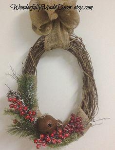 Rustic Christmas Wreath . Holiday Wreath . by WonderfullyMadeDecor