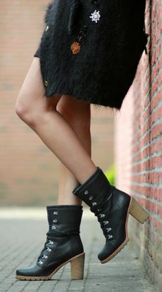 Paulien from personal style blog Polienne: ALL BLACK EVERYTHING