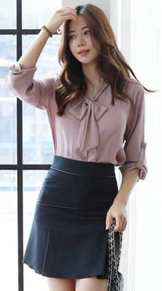 Casual Spring Work Outfits Ideas for Women Look Fashion, Korean Fashion, Girl Fashion, Fashion Dresses, Womens Fashion, Spring Work Outfits, Older Women Fashion, Feminine Style, Feminine Fashion