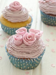 Very girly cupcakes :)