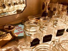 Jeder Seminargast bekommt sein Glas mit seinem Namen. Praktisch für uns und individuell für dich :-).