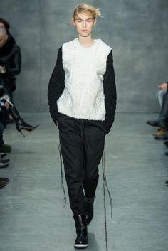 Vera Wang Fall 2015 Ready-to-Wear Fashion Show - Manuela Frey