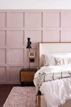 pink grid wall behind modern bed. / sfgirlbybay