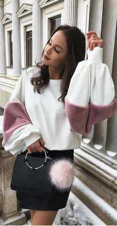 ZARA sweatshirt with pink faux fur