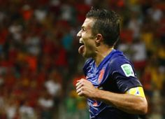 Robin van Persie of the Netherlands celebrates after scoring a goal against Spain during their 2014 World Cup Group B soccer match at the Fo. Spain Vs Netherlands, World Cup Groups, Robin Van, Van Persie, Soccer Match, World Cup Final, Goals, Celebrities, People