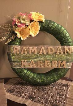 Eid Crafts, Ramadan Crafts, Fest Des Fastenbrechens, Decoraciones Ramadan, Ramadan Celebration, Islamic Celebrations, Eid Mubarak Vector, Ramadan Background, Eid Food