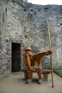 knight on guard...(Conwy Castle)