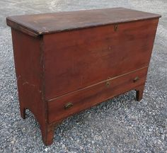 EARLY 19TH C. PINE BLANKET CHEST IN OLD RED WASH