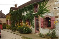 Provins houses: Provins (Seine Et Marne - Ile De France). This is a five bed...
