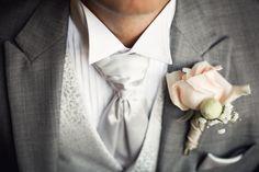 #hotelltylösand #halmstad #wedding #bröllop #vintage #weddingday #bröllopsdag #groom #weddinginspiration #bryllop pic by: www.photodesign.nu