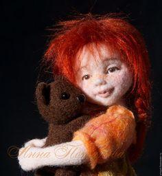 Коллекционные куклы ручной работы. Ярмарка Мастеров - ручная работа. Купить Аннушка с мишкой. Авторская войлочная кукла. Handmade. Рыжий