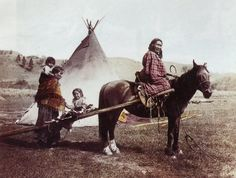 Julia Tuell took this photo of a family and horse travois on the Northern Cheyenne Reservation in She identified the woman on the horse as Strong Left Hand. Courtesy of Buzz Tuell, Tuell Pioneer Photography Native American Photography, Native American Photos, Native American Tribes, Native American History, Native Americans, American Symbols, Navajo, Eskimo, Le Far West