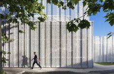 Image 7 of 20 from gallery of 18 Fantastic Permeable Facades. Photograph by Aitor Ortiz Architecture Board, Amazing Architecture, Interior Architecture, Archdaily Mexico, Metal Facade, Long Walls, Building Facade, Facade Design, Brickwork