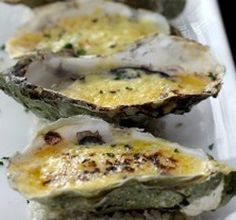 Cooked oysters served hot on the half shell. Oven grilled oysters with grilled Italian prosciutto served on the half shell. Oven Recipes, Fish Recipes, Seafood Recipes, Appetizer Recipes, Appetizers, Cooking Recipes, Cooking Kale, Cooking Corn, Cooking Pumpkin