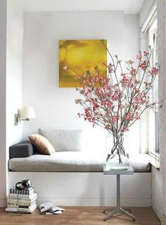 love this flower display! would look fab in my lounge