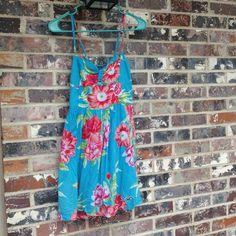Hollister floral sun dress Only light wear!  A beautiful dress for warm weather! Hollister Dresses