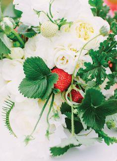 strawberry centerpiece | Katie Stoops #wedding