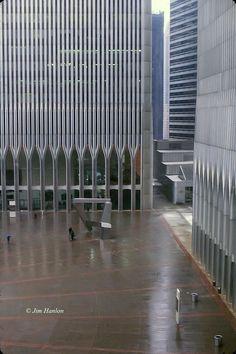 Never had the chance to see the original buildings. World Trade Center 2001, World Trade Center Collapse, World Trade Towers, World Trade Center Attack, Trade Centre, New York Soho, New York City, Ground Zero Nyc, 11 September 2001